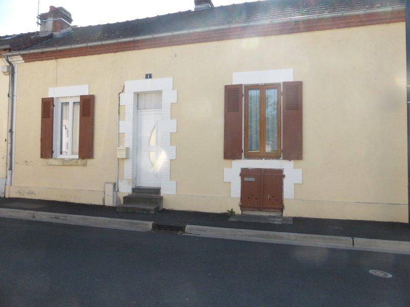 Vente maison de ville for Piscine 03000 moulins